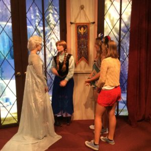Meeting Anna and Elsa!
